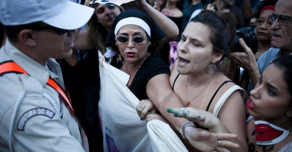 Um princípio de tumulto precisou da intervenção da Polícia Militar durante a Marcha das Vadias no Rio de Janeiro. Em todo o Brasil, mais de dez cidades organizaram manifestações