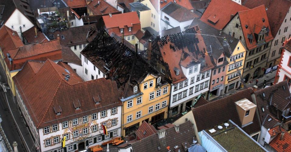27.mai.2012 - Vista aérea mostra região residencial afetada por incêndio