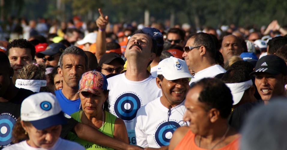 Cariocas participaram da corrida e caminhada contra o Câncer de Mama na manhão de domingo (27), no Aterro do Flamengo