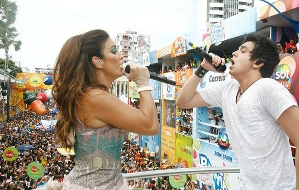 Ivete lançou o hit Química do Amor, em parceria com o cantor Luan Santana