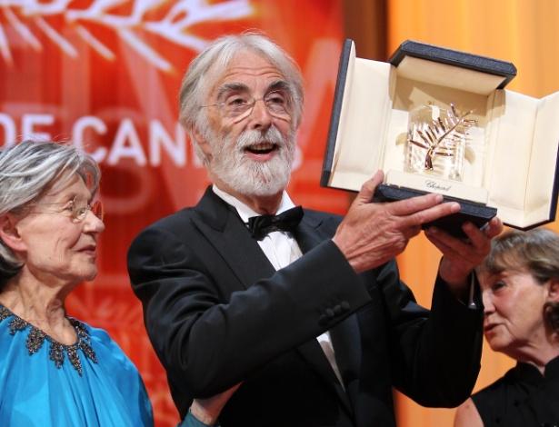 """O diretor Michael Haneke ganha a Palma de Ouro por """"Amour"""" no Festival de Cannes, na França (27/5/12)"""