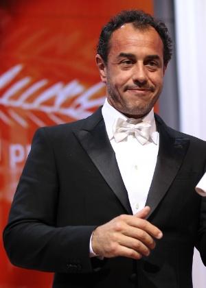 O diretor italiano Matteo Garrone recebe prêmio o Festival de Cannes 2012