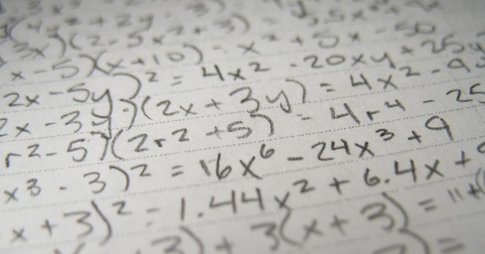 A formação de professores de matemática a distância registra aproximadamente 23 mil matrículas e é o nono curso de graduação mais procurado.