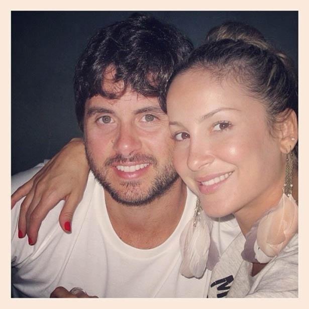Claudia Leitte divulga foto com o marido Márcio Pedreira (28/5/2012)