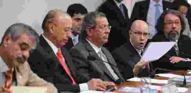 Demóstenes Torres (o quarto a partir da esquerda) depõe no Conselho de Ética do Senado, em Brasília - Wilson Dias/ABr