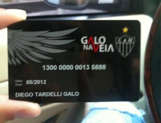 Diego Tardelli exibe em seu twitter o cartão de adesão ao programa 'Galo na Veia' (29/5/2012)