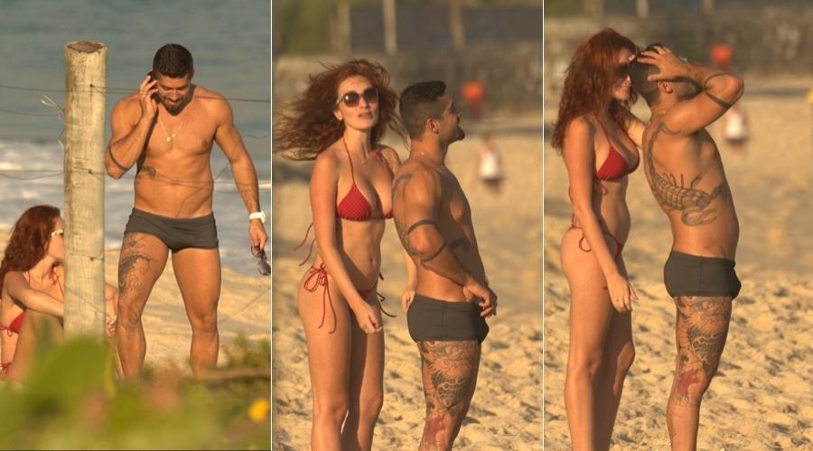 O ex-BBB Yuri aproveitou um dia de praia no Recreio, zona oeste do Rio (29/5/12)