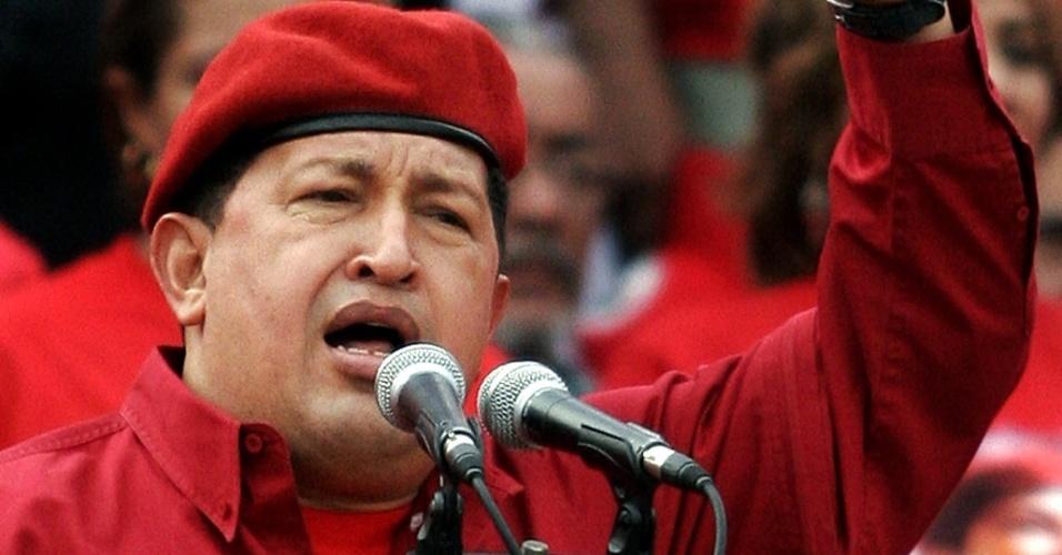 O presidente venezuelano, Hugo Chávez, celebra aniversário da tentativa de golpe de Estado de 1992, em fevereiro de 2006