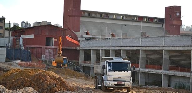 Intervenções viárias do entorno da Arena da Baixada ficaram R$ 372 mil mais baratas após aviso do TCE