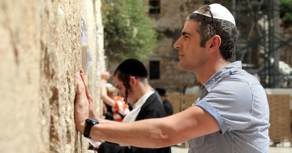 Reynaldo Gianecchini visita o Muro das Lamentações, em Jerusalém (28/5/2012)