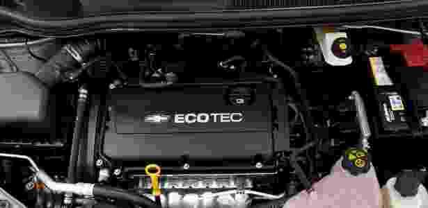 Sonic traz novo motor Ecotec Dual CVVT, flex, de 1,6 litro, com coletor de admissão variável e duplo comando das 16 válvulas continuamente variável, desenvolvido na Coreia e na Alemanha. Potência varia de 116 a 120 cavalos, com torque de 15,8 a 16,3 kgfm para gasolina e etanol, respectivamente - Divulgação - Divulgação