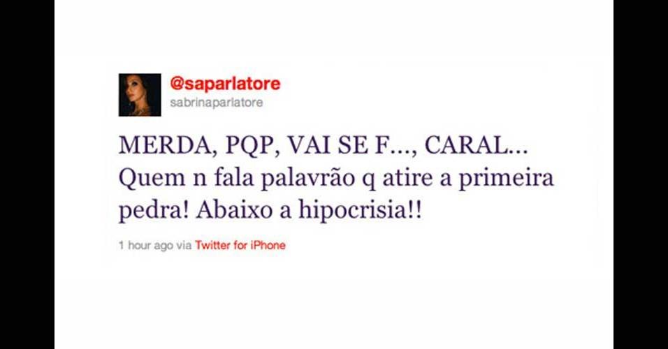 2011 - A apresentadora Sabrina Parlatore se irritou com seus seguidores e baixou o nível, xingando muito no Twitter.