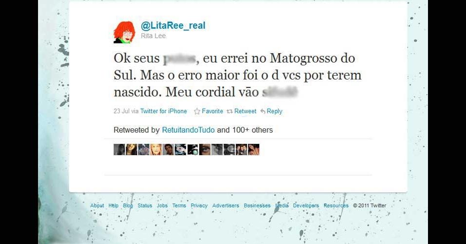 2011 - Os internautas apontaram o erro, e a cantora Rita Lee se estressou. Com direito a xingamento e tudo