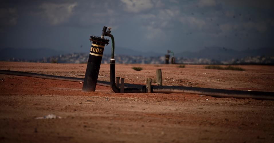 31.mai.2012 - Equipamento capta gás metano do lixão de Gramacho