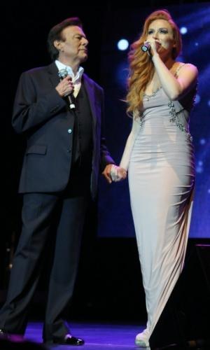 Agnaldo Rayol e Érika Rodrigues se apresentam em evento beneficente promovido por Roberto Justus em São Paulo (29/5/12)