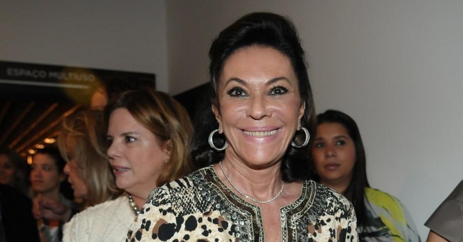 Beth Szafir participa de evento beneficente em prol de pessoas com câncer de mama, em São Paulo (29/5/12)