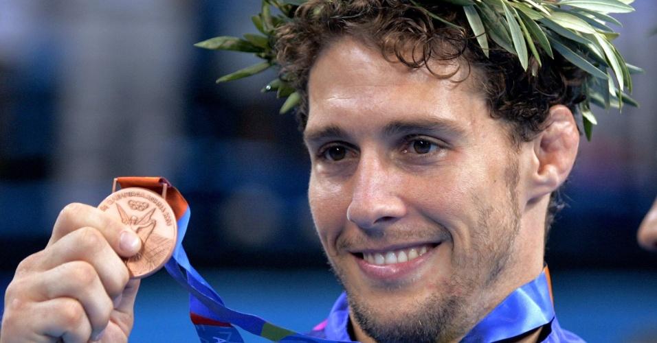 Flavio Canto recebe a medalha de bronze no judô nos Jogos Olímpicos de Atenas-2004