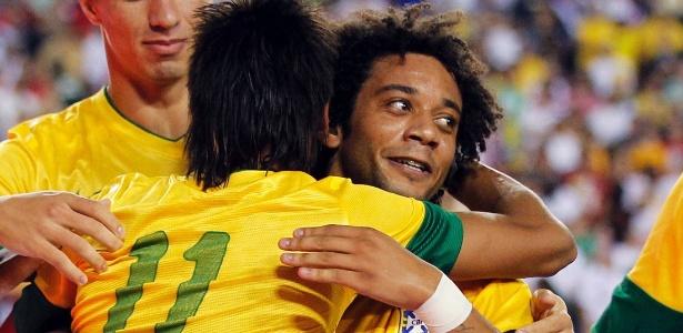 Marcelo agrediu Lavezzi já no final da partida contra Argentina; Brasil perdeu por 4 a 3 - Jason Reed/Reuters