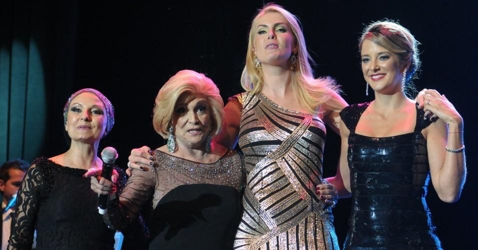 Valéria Bacarat, Hebe Camargo, Ana Hickmann e Ticiane Pinheiro participam de evento beneficente em prol de pessoas com câncer de mama, em São Paulo (29/5/12)