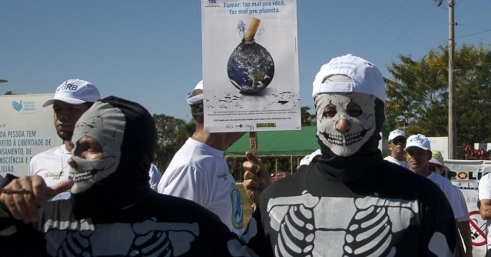 31.mai.2012 - Caminhada no parque da Cidade marca comemoração do Dia Mundial sem Tabaco em Brasília. Além da caminhada, haverá palestras e exames médicos para a população
