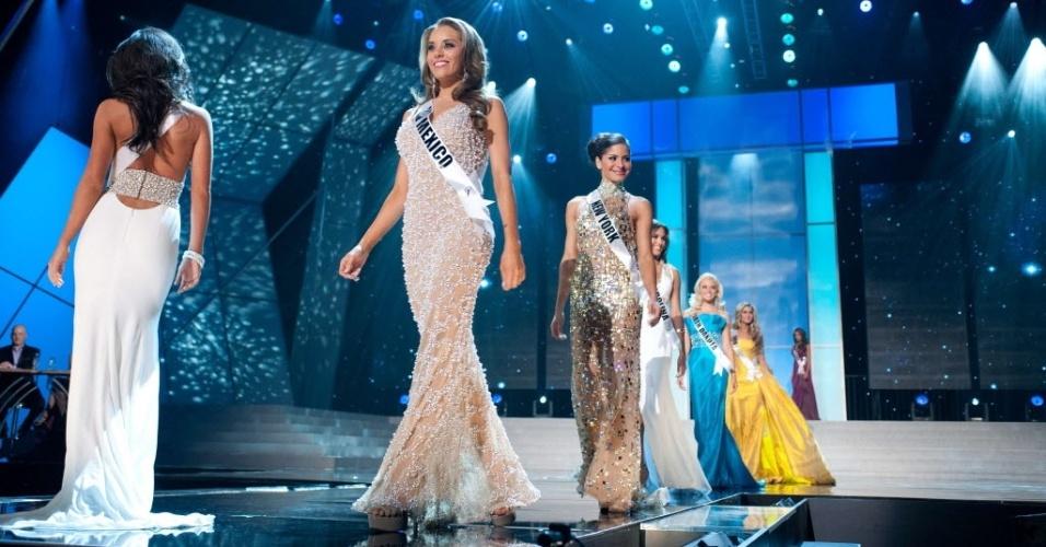 31.mai.2012 - Misses caminham na passarela nesta quinta-feira (31) durante o evento Miss Estados Unidos, em Las Vegas, Nevada