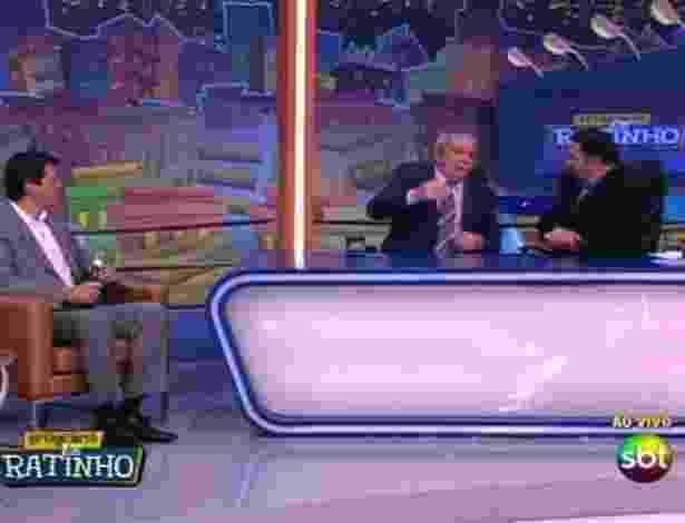 31.mai.2012 - Ratinho entrevista Luiz Inácio Lula da Silva, no SBT, em São Paulo. Além de falar sobre sua vitória na luta contra o câncer, o ex-presidente também abordou questões políticas enfatizando a pré-candidatura de Fernando Haddad na corrida eleitoral de São Paulo - Reprodução