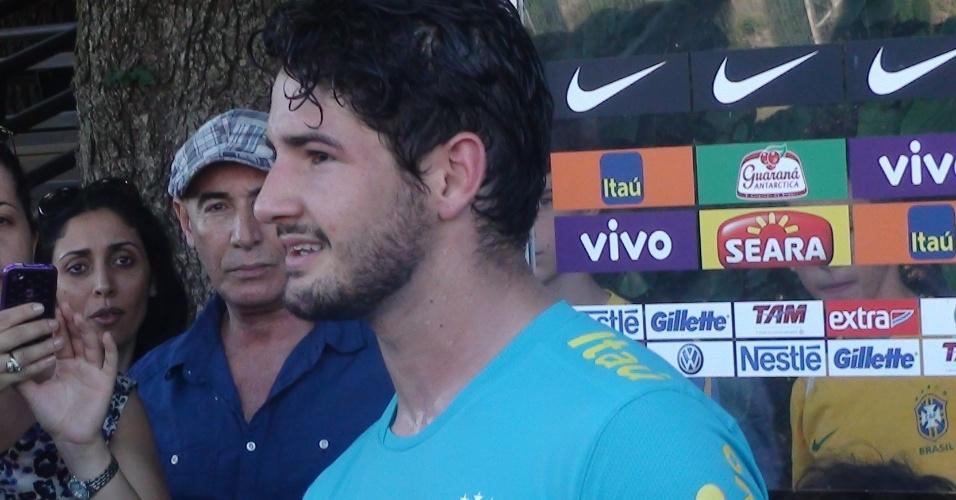Alexandre Pato disse que clubes do Brasil o procuraram, mas que não é a melhor hora voltar