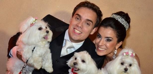 Luciana Pepino se casou em abril com Rodrigo Lélles e diz que não deixaria os pets de fora do evento - Zoom Vip/Divulgação