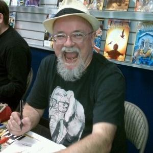 """O criador de quadrinhos inglês Richard Starkings, pai dos """"Elephantmen"""" - Reprodução/Facebook"""