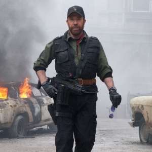 """Chuck Norris em """"Os Mercenários 2"""""""