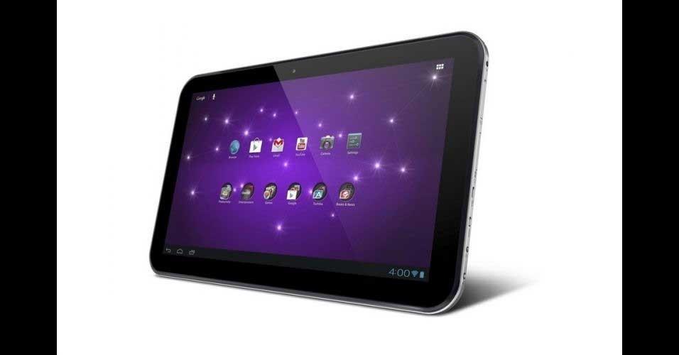 10.abril.2012 - A Toshiba apresentou nos Estados Unidos três modelos de tablet de sua nova linha chamada Excite. Um dos destaques é o Excite 13 que tem uma tela gigante (para os padrões de tablet) de 13 polegadas. Ele é equipado com o sistema Android 4.0, processador quad-core Nvidia e será vendido em modelos de 32 GB (US$ 649,99) ou 64 GB (R$ 749,99) de armazenamento. O tablet estará disponível nas lojas a partir de 10 de junho