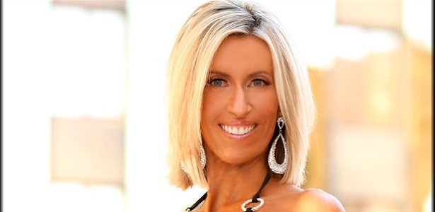 Sharon Simmons, cheerleader norte-americana de 55 anos