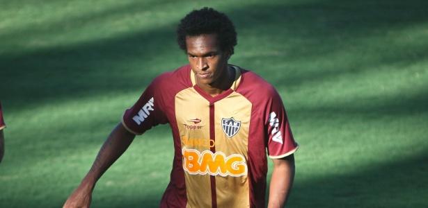 Desempenho de Jô nos treinos tem agradado aos seus companheiros de Atlético-MG