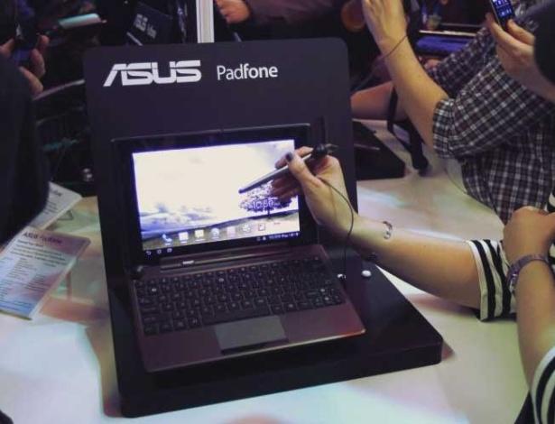 29.fev.2012 - Um dos tablets com processador de quatro núcleos foi o Asus Transformer Pad 300. O ultraportátil usa o mesmo chip que o dos ''supersmartphones'', o Tegra 3, além da versão mais recente de Android 4.0
