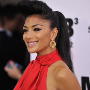 Reality show brit nico oferece 500 mil libras para ter for 300 nicole terrace stockbridge ga