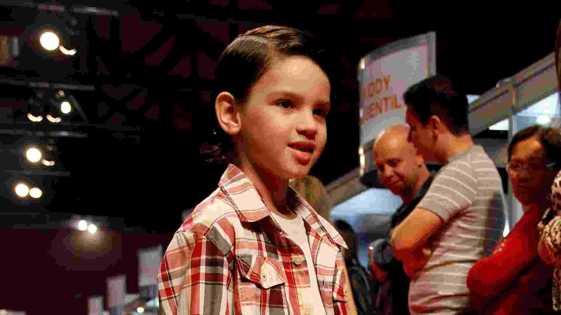 Com peças em xadrez, a coleção da Reserva Mini é inspirada em peças de antigas coleções da moda masculina Reserva que foram sucesso; desfile fez parte do Ópera Fashion Kids, em São Paulo (2/06/2012) - Divulgação
