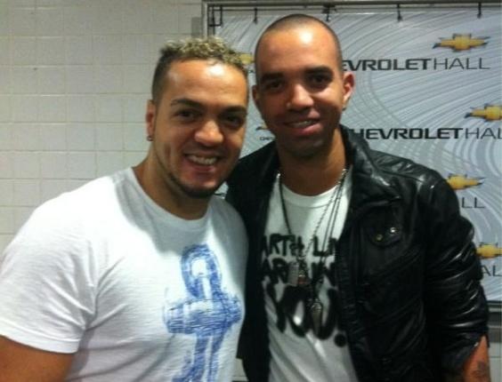Diego Tardelli, atacante que jogou no Atlético-MG, se diz fã do cantor Belo