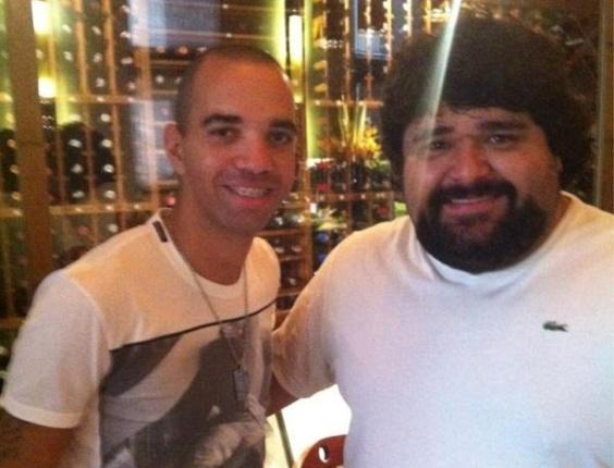 Diego Tardelli e Fabiano no twitter do atacante atleticano