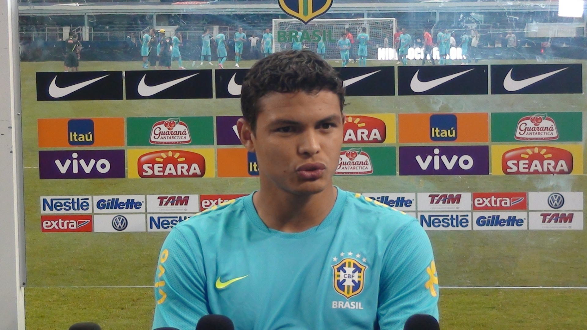 Thiago Silva concede entrevista antes do treino à véspera do amistoso entre Brasil x México, em Dallas