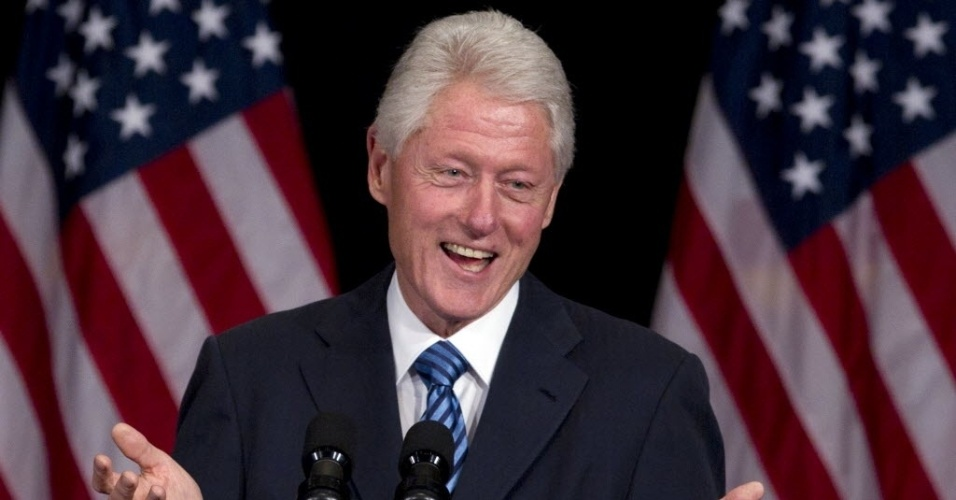 04.jun.2012 - O ex-presidente dos Estados Unidos, Bill Clinton, discursa durante evento da campanha de reeleição do presidente Barack Obama no hotel Waldorf Astoria, em Nova Iorque, na noite desta segunda-feira (4)