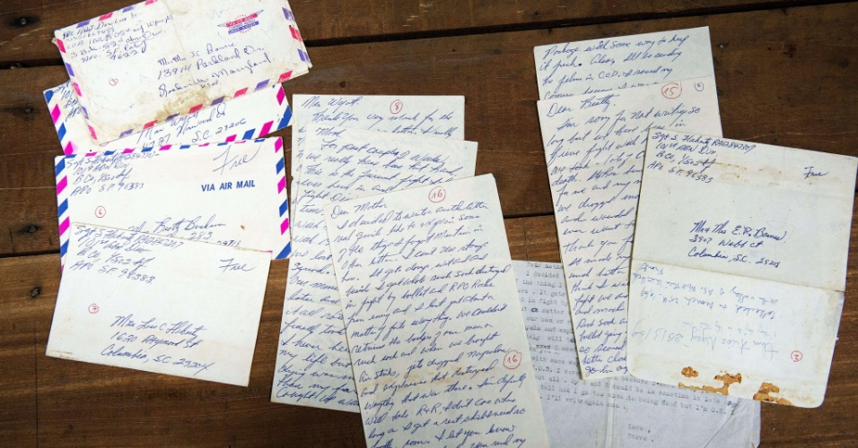 4.jun.2012 - Cartas escritas pelo sargento americano Steve Flaherty, no período em que ele servia os EUA na Guerra do Vietnã, em 1969. As cartas foram entregues pelo governo do Vietnã ao secretário de Defesa dos Estados Unidos, Leon Panetta