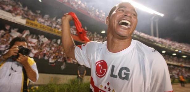 Aloísio trocou o Atlético pelo São Paulo para ser campeão do Mundo, mas recordou prejuízo ao Furacão