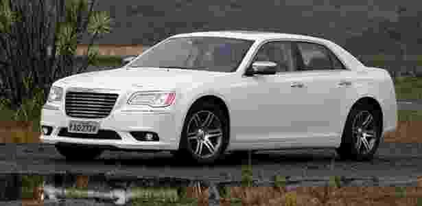 Chrysler 300C 2012: elegante e suave, sedã grande fica ainda mais americano na nova geração - Murilo Góes/UOL - Murilo Góes/UOL