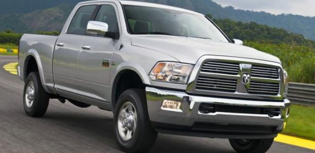 Chrysler descarta inclusão da 2500 Laramie, vendida no Brasil, no recall por falha na suspensão - Divulgação