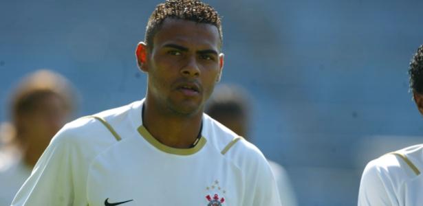 Wilson disputou 76 jogos com a camisa do Corinthians e marcou 13 gols