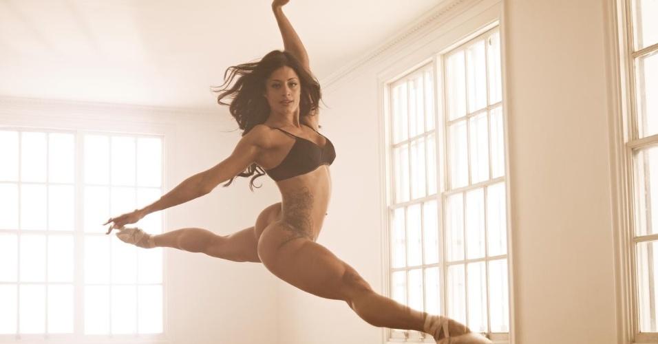 Aline Riscado na capa da Playboy