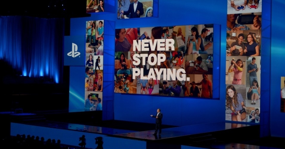 O presidente-executivo da Sony Computer Entertainment para os Estados Unidos, Jack Tretton, fala sobre o novo slogan do PlayStation: