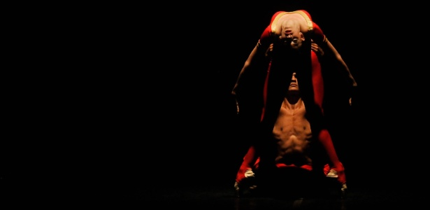 06.Jun.2012 Bailarinos do Ballet Nacional de Cuba se apresentam em Cali, no Festival Internacional de Ballet, na Colombia - Christian Escobar Mora/EFE