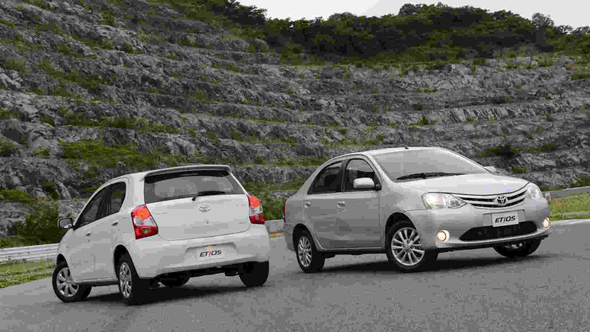 A Toyota apresentou o Etios, que deve chegar em setembro nas variações hatch e sedã; preços ainda são segredo - Divulgação