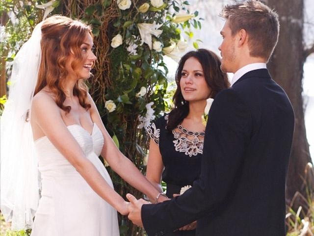 Casamento de Peyton Sawyer (Hilarie Burton) e Lucas Scott (Chad Michael Murray) na série